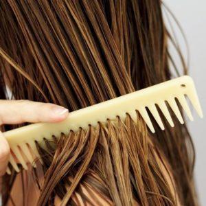 huile ricin cheveux femme